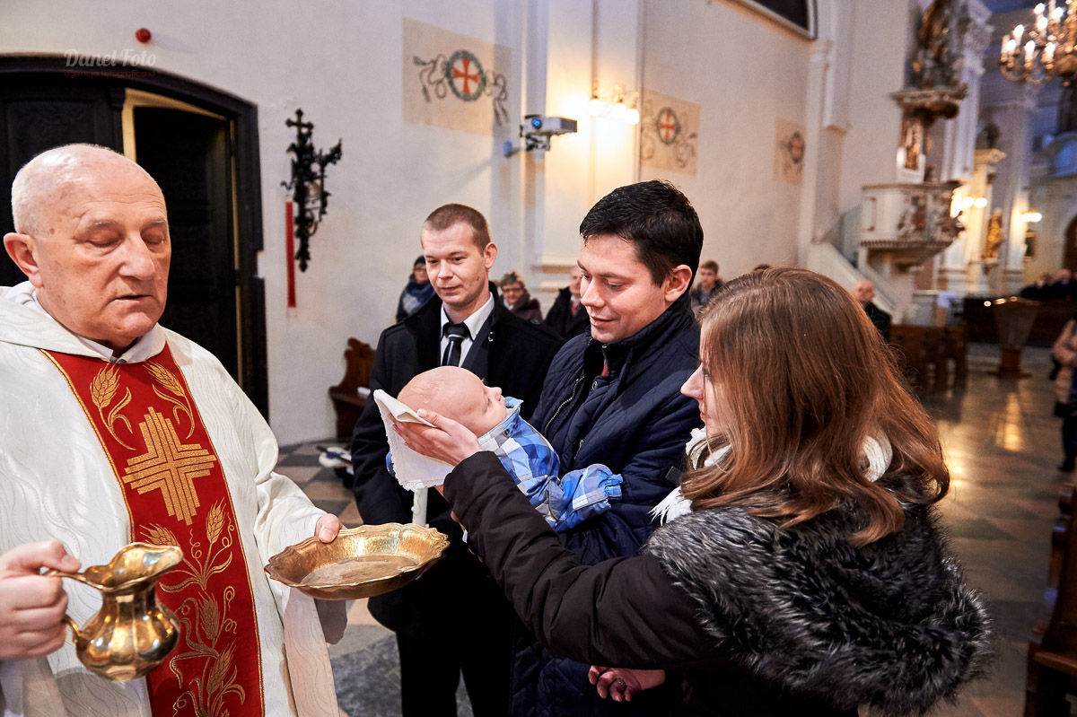 fotografia chrztu w kościele oo. Dominikanów w Lublinie